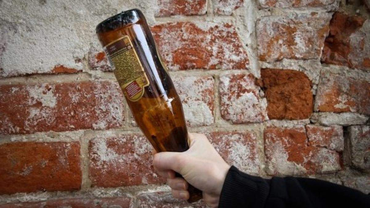 В Херсонской области 24-летний мужчина убил товарища бутылкой