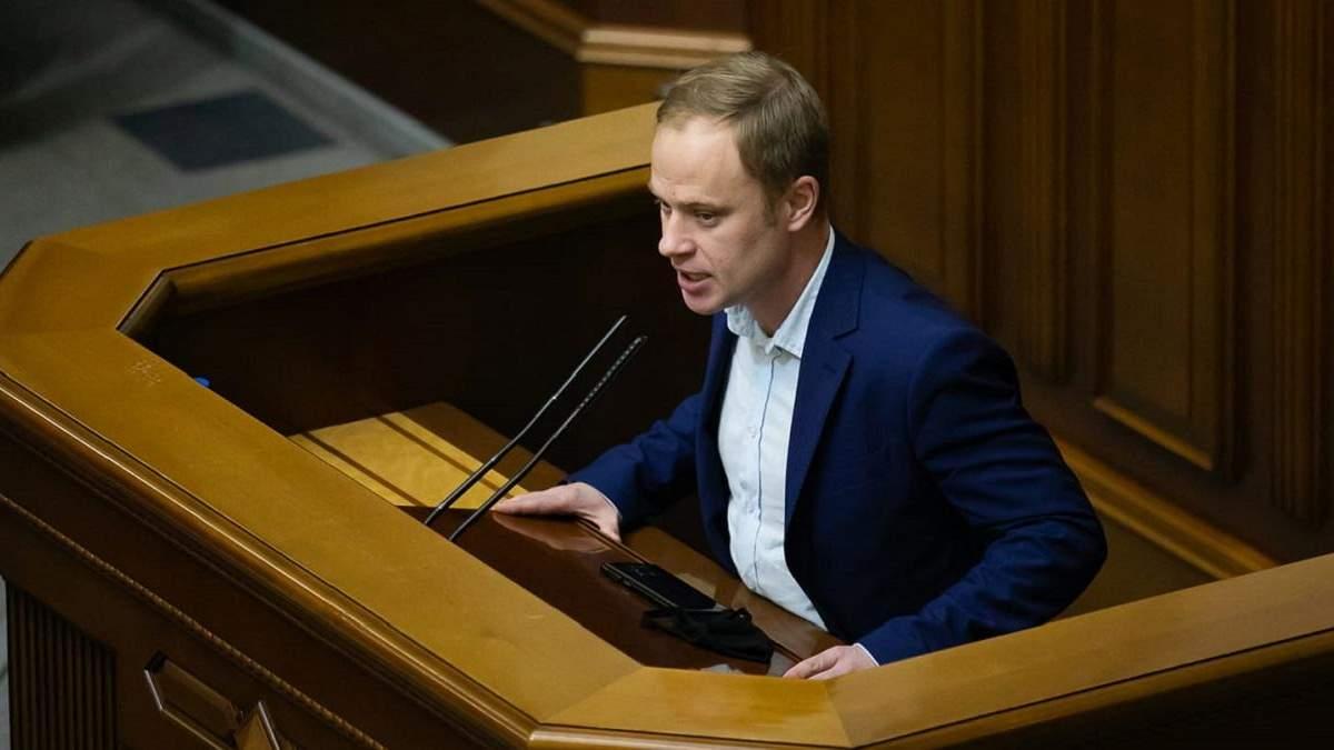 Проти Рената Кузьміна просять відкрити кримінальну справу: що відомо