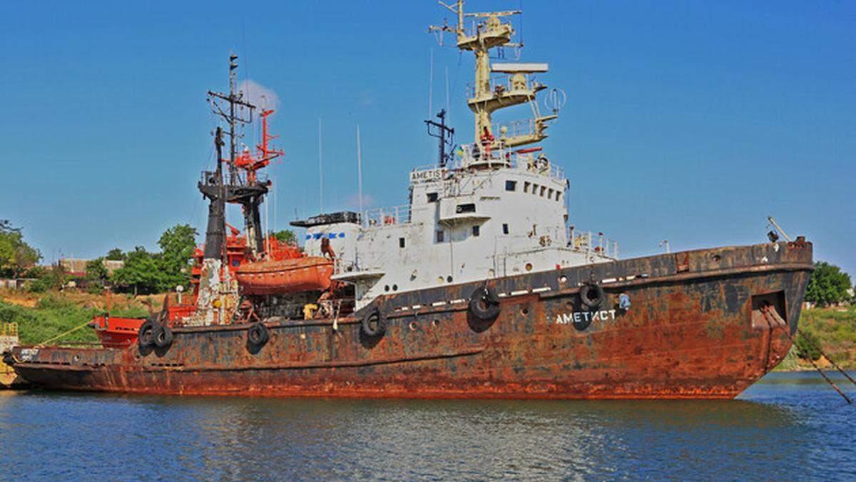 Под Черноморском тонет спасательное судно, произошла утечка топлива