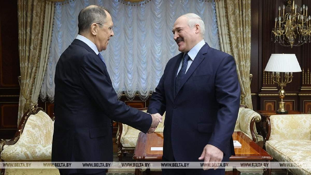 Беларуси никуда не деться от тесных отношений с Россией, - Лукашенко