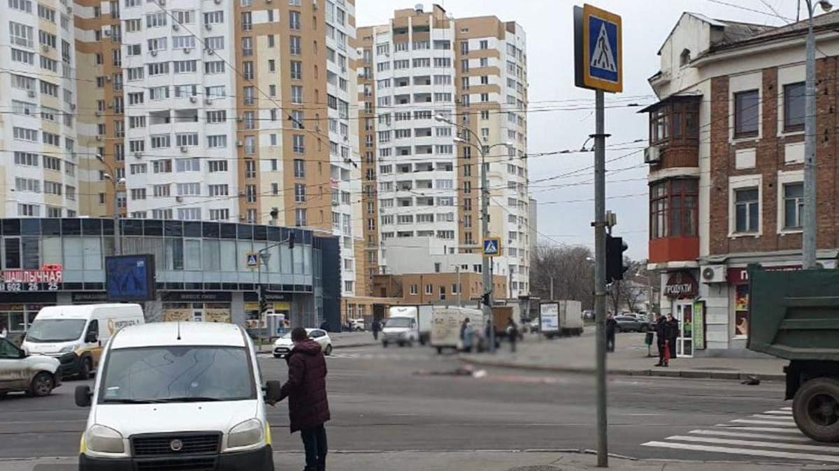 У Харкові автовоз розчавив жінку на пішохідному переході