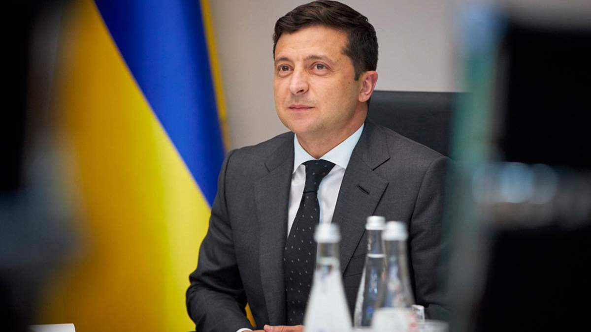 Зеленський зібрав нараду щодо рішення КСУ: тези