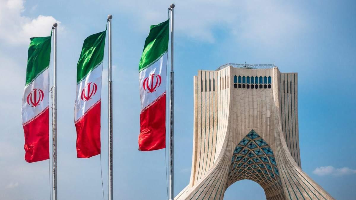 СМИ распространяют версии убийства Мохсена Фахризаде в Иране