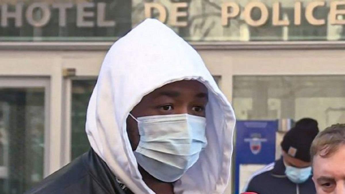 У Франції поліція побила Мішеля Зеклера через відсутність маски