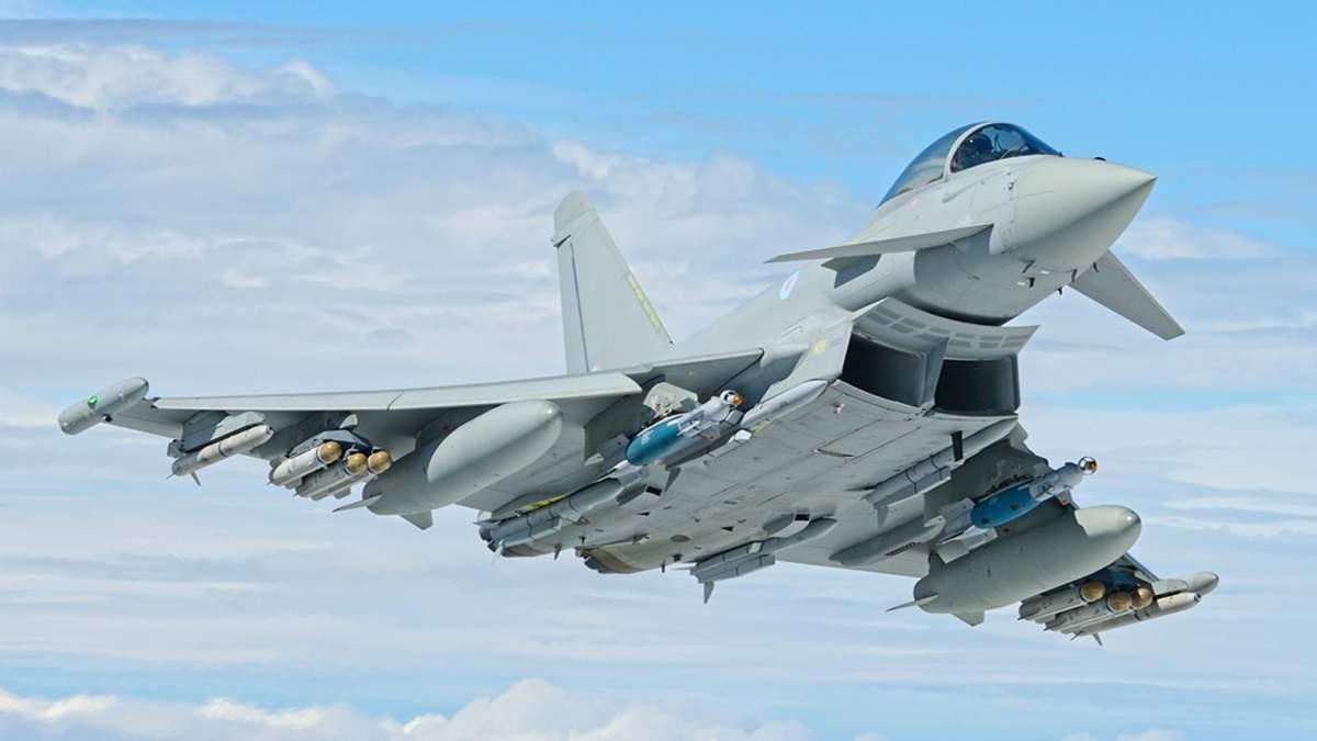 Британські винищувачі перехопили військові літаки Росії біля Шотландії
