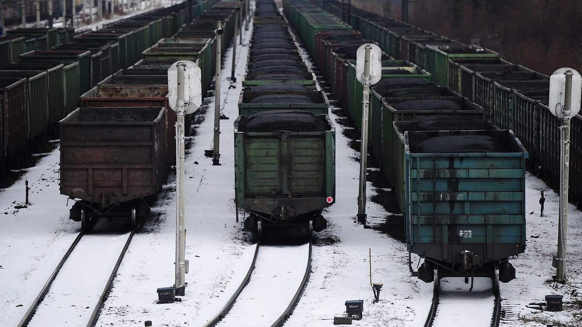 Россия перебрасывает на границу с оккупированным Донбассом поезда