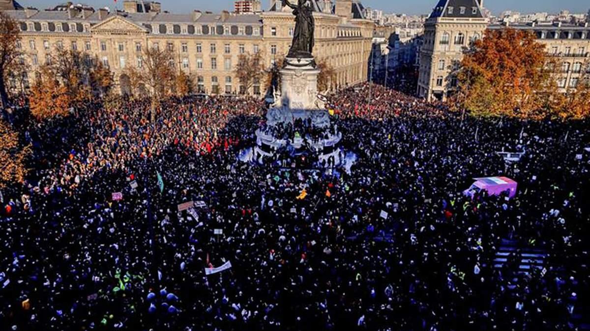 Во Франции прошли протесты против свободы слова
