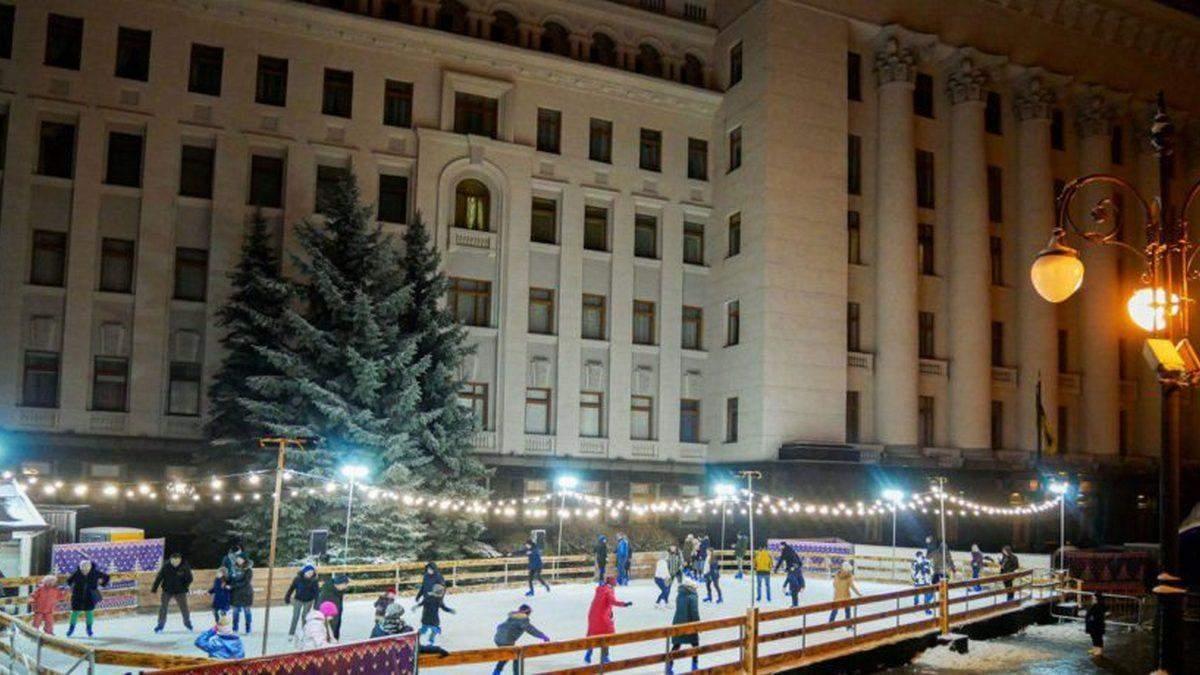 Під Офісом Президента працюватиме новорічний розважальний комплекс
