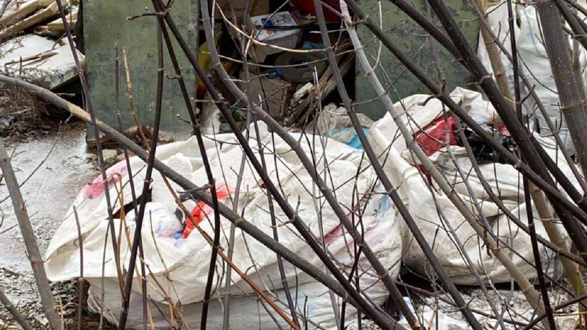 Старе Село у Сумській області завалили медвідходами COVID-19