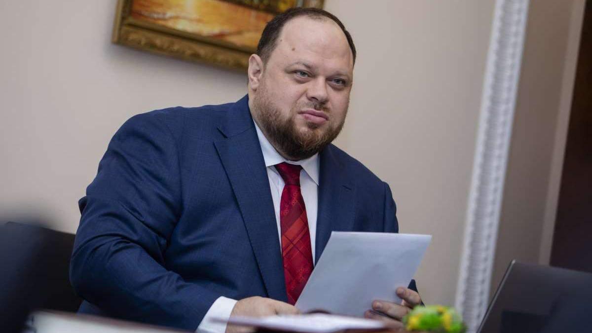 После 23 дней борьбы первый заместитель главы ВР Руслан Стефанчук все же победил COVID-19