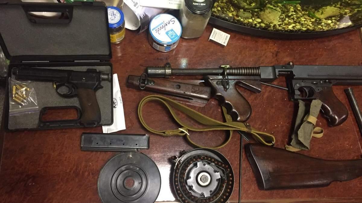 Поліція Дніпра викрила міжнародну банду, яка продавала зброю: фото