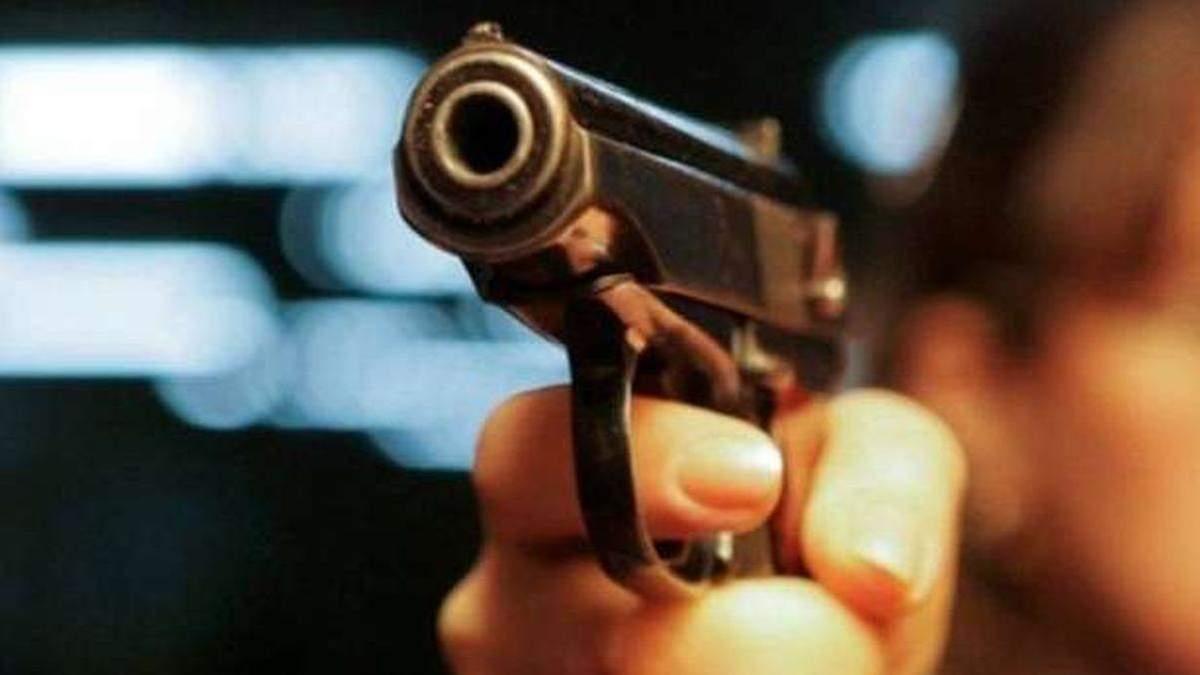 В Переяславе за стрельбу по прохожему задержали 26-летнего мужчину