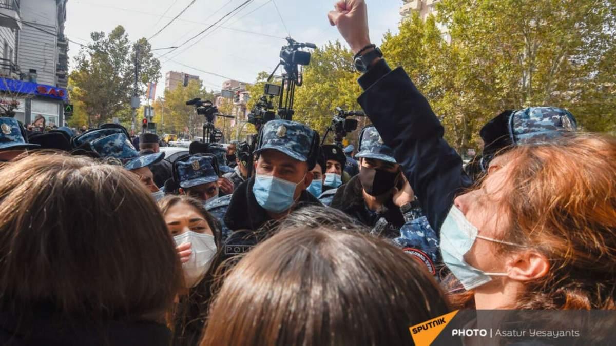 В Армении противники Пашиняна вышли на акции 08.12.2020 - видео