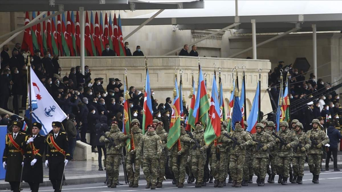 В Азербайджані провели парад перемоги 10.12.2020: відео