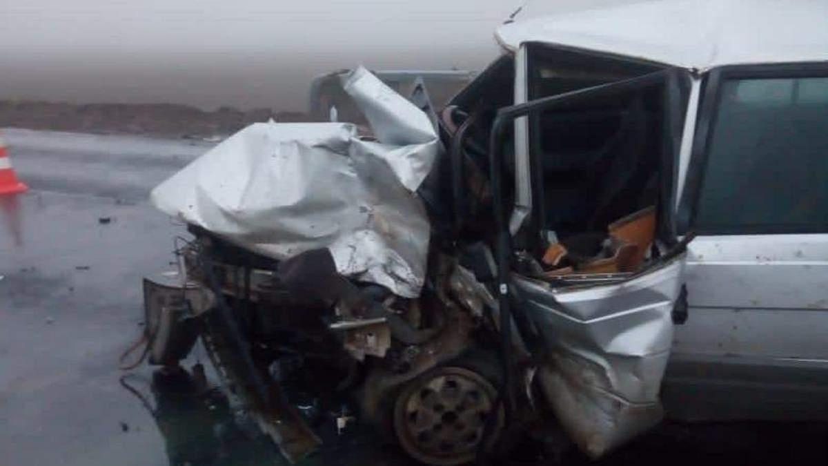 На Одещині зіткнулись машини: авто віднесло в кювет, є постраждалі