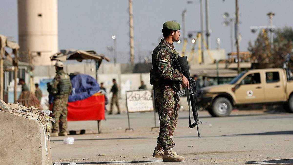Главную военную базу США и НАТО в Афганистане обстреляли