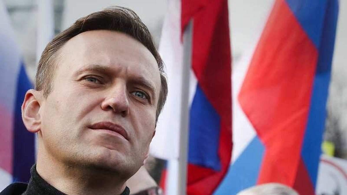 Навальний говорив з можливим учасником замаху на нього: відео
