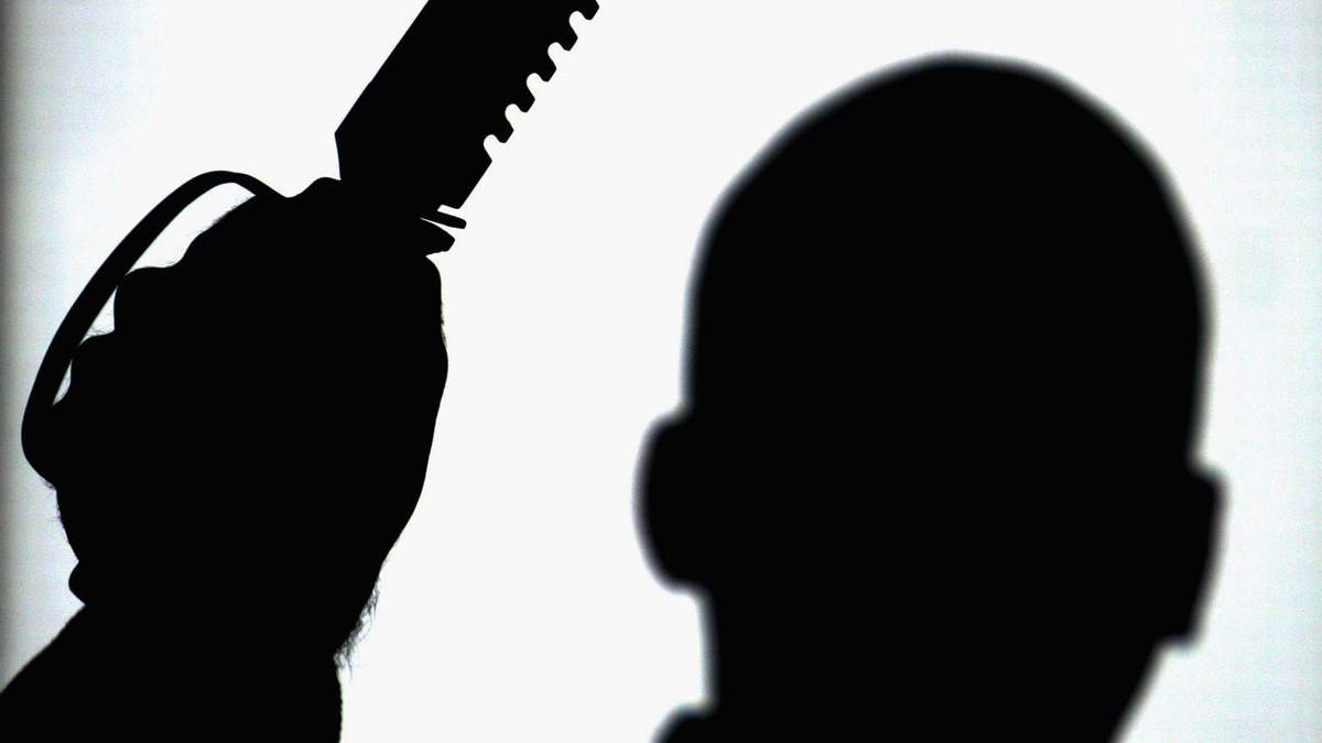 Поліція розшукує особливо небезпечного злочинця: чоловікові загрожує довічне ув'язнення – фото