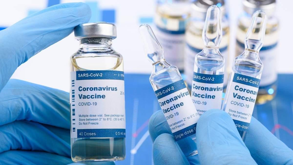 Лидеры Словакии и Греции сделали прививки от COVID-19