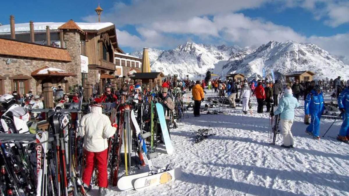 В Австрії закривають гірськолижні курорти через туристів