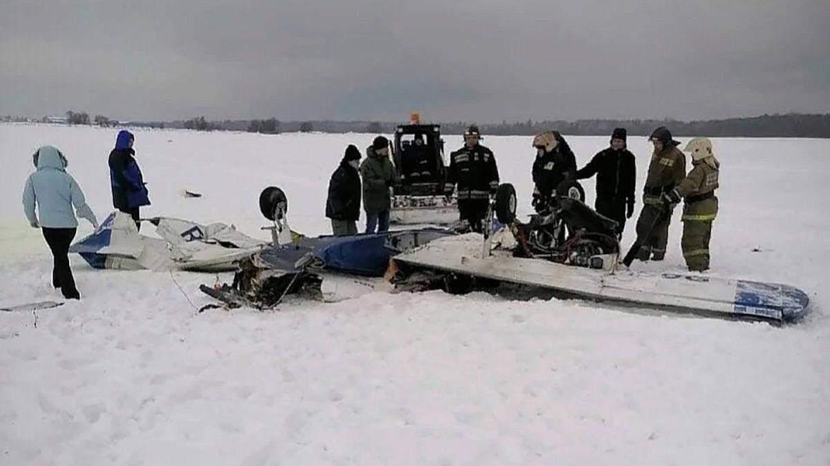 В России 8 января 2021 во время взлета разбился самолет, есть погибшие