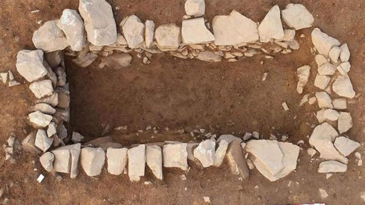 Во Франции археологи обнаружили древний некрополь: фото