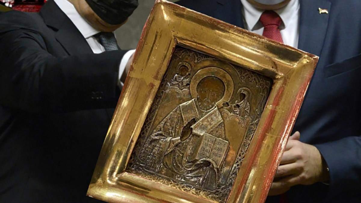 Подарована Лаврову ікона з Донбасу: ЗМІ оприлюднили вартість і де вона зберігалася