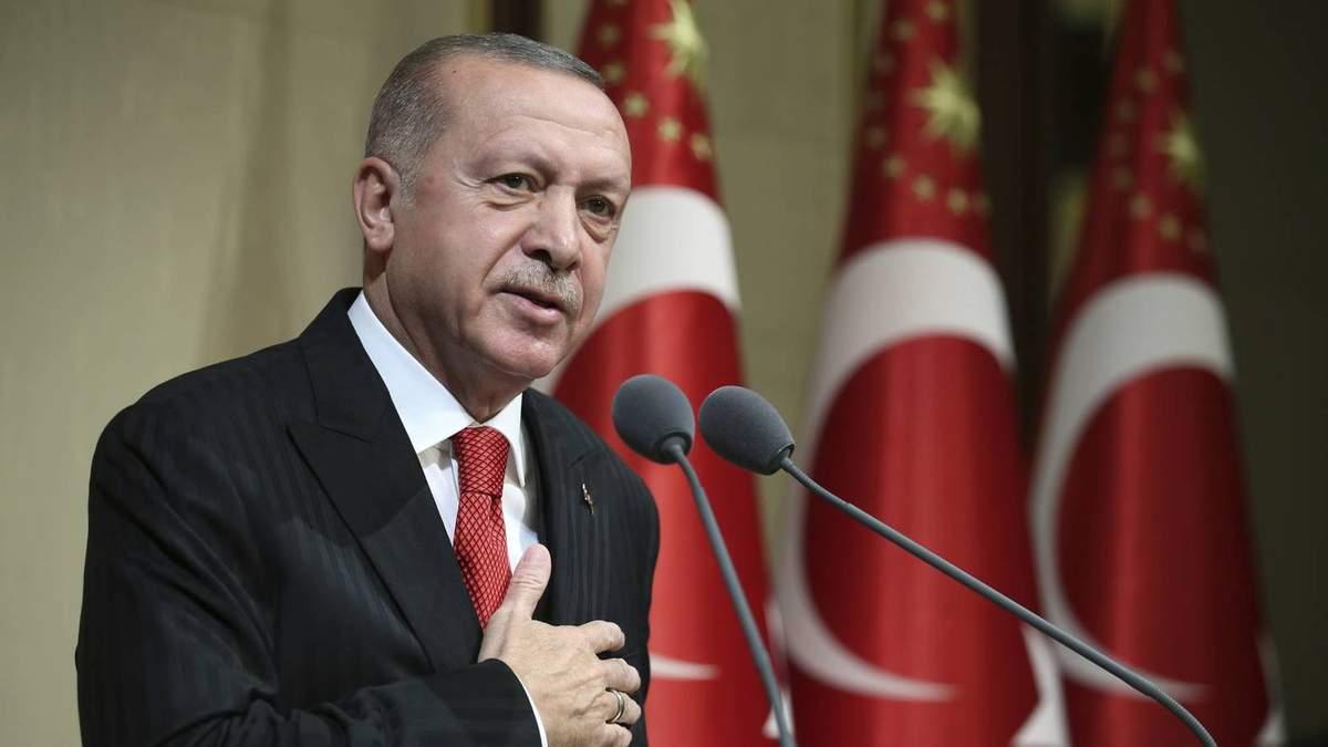 Эрдоган привился вакциной от Sinovac, которую хочет приобрести Украины