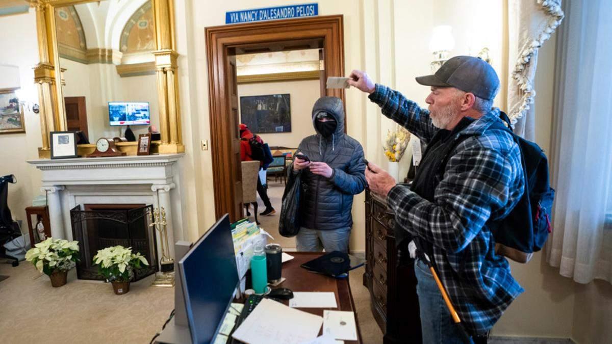Ноутбук Пелосі хотіли продати росіянам: у ФБР з'явився свідок