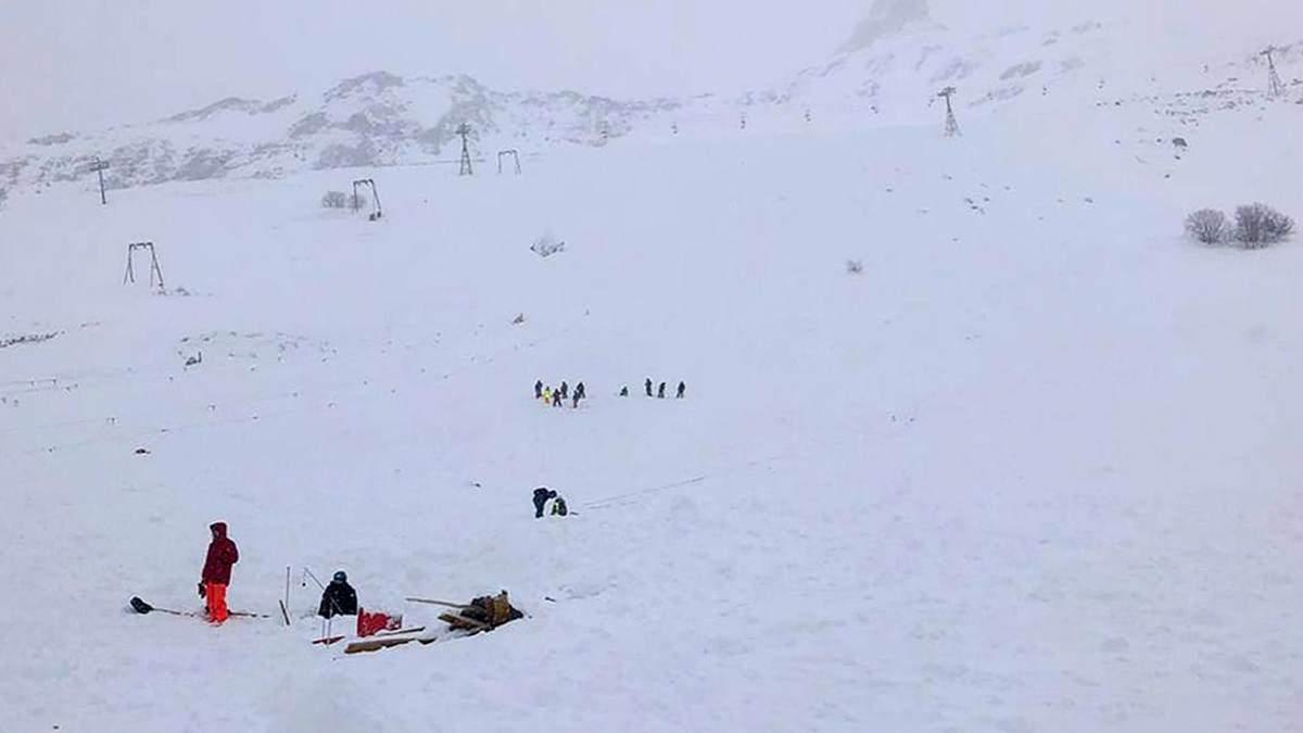 Сходження лавини на курорті Домбай: що відомо про постраждалих