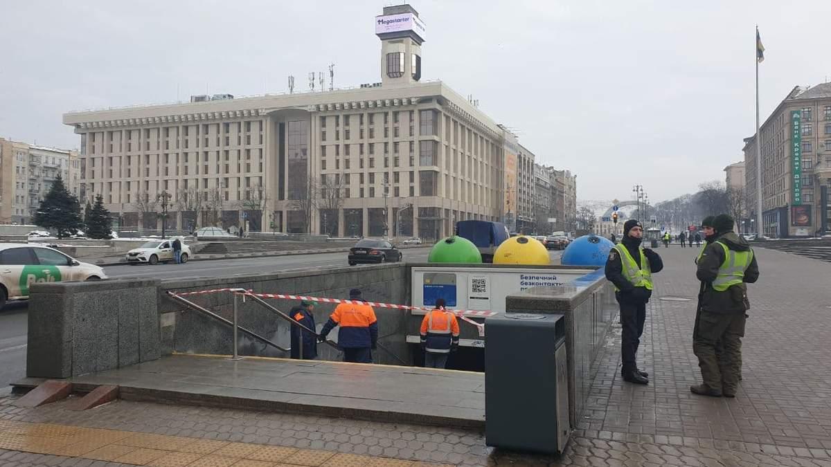 У переході під Майданом Незалежності обвалилася стеля