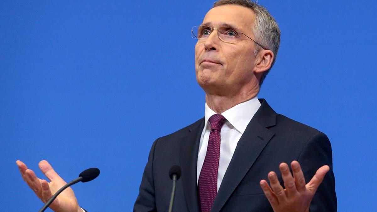 В НАТО призвали продолжить ядерный договор США и России