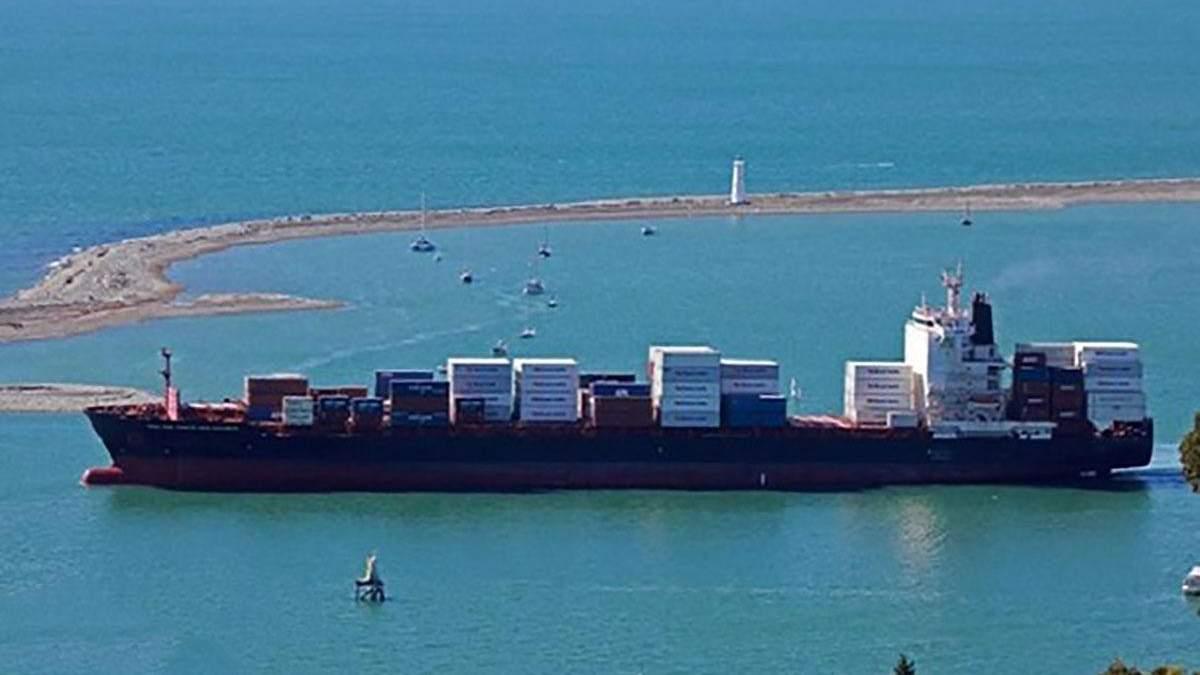 Пираты захватили 15 моряков в Гвинейском заливе