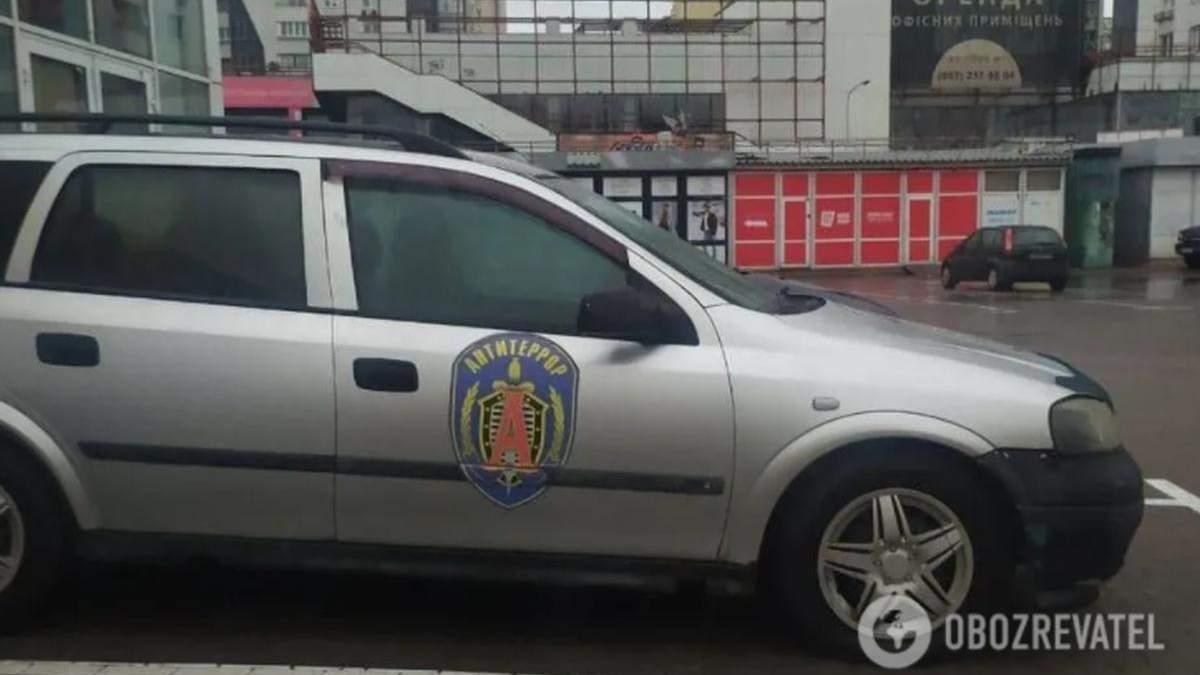 У Києві помітили автівку з символікою спецпідрозділу ФСБ