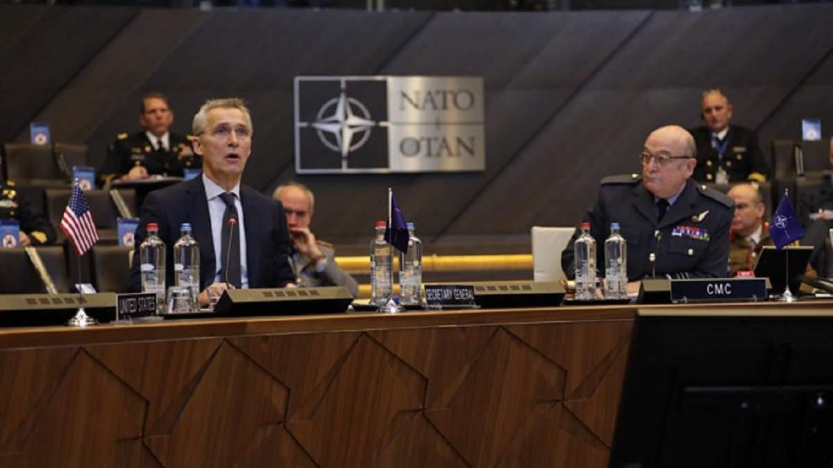 Столтенберг призвал НАТО увеличивать расходы на оборону