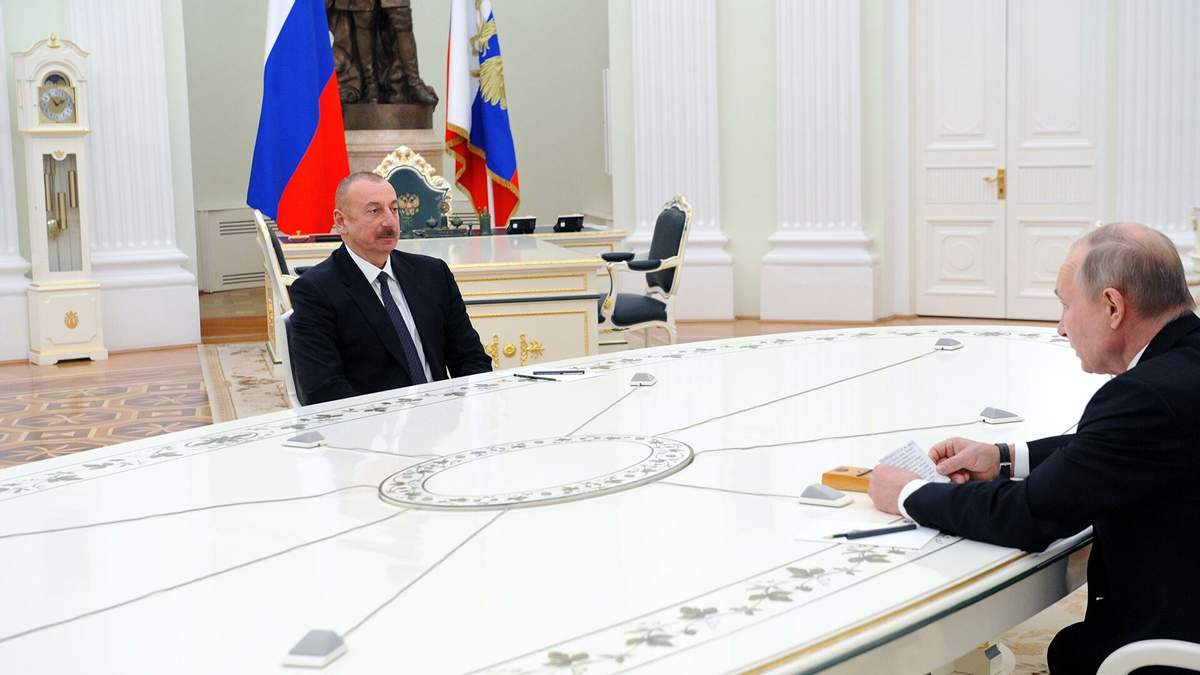 Путин обсудил сАлиевым российско-турецкий центр поКарабаху