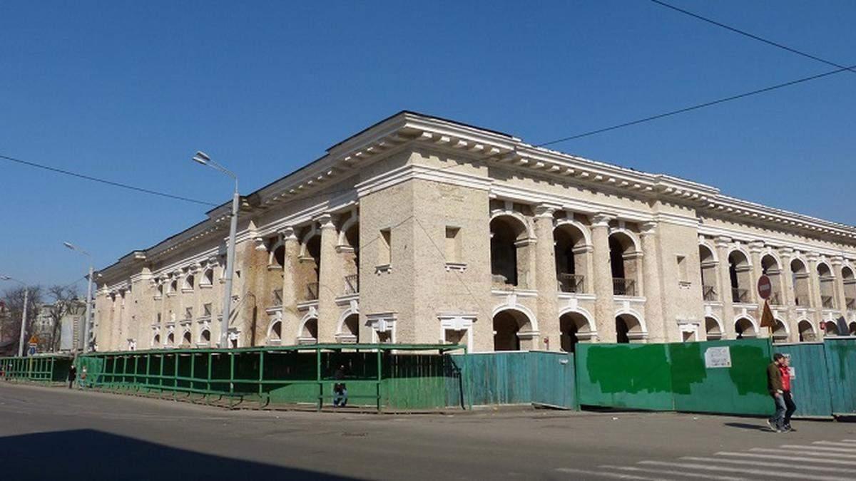 Кабмін може передати Гостинний двір громаді Києва