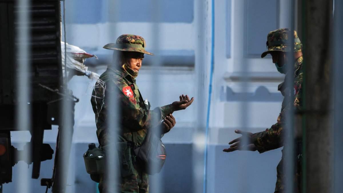 Байден та ООН відреагували на військовий переворот у М'янмі