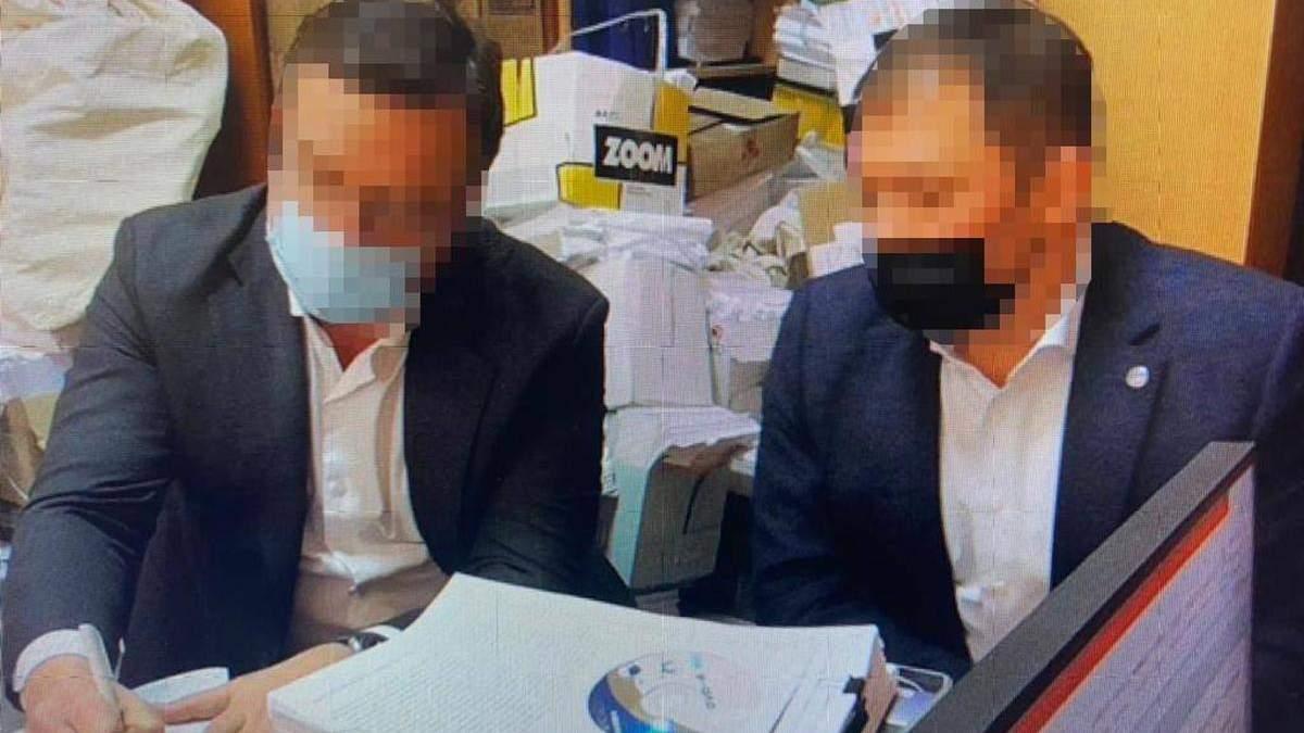 Саймону Чернявскому сообщили о подозрении в многомиллионных растратах