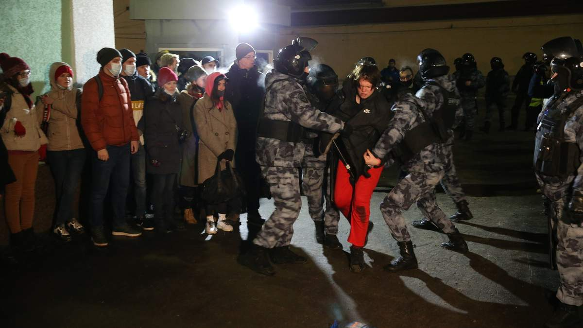 Росія висилає європейських дипломатів за підтримку акцій протесту