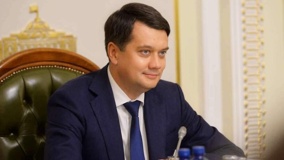 Почему Разумков не поддержал санкции против каналов
