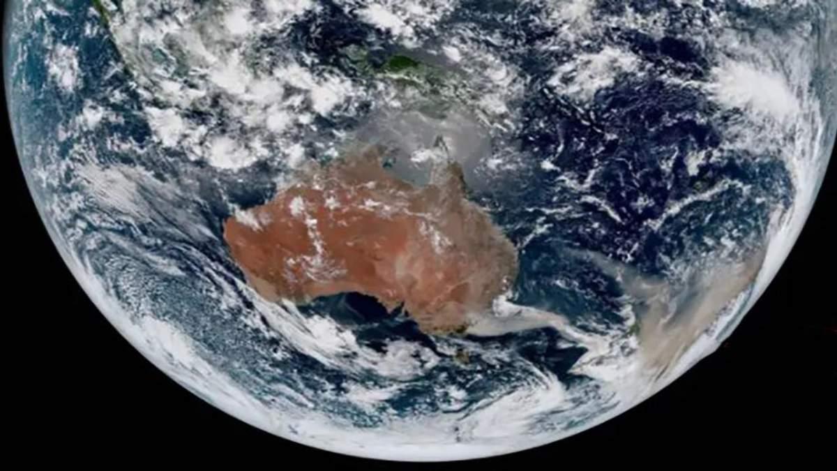 Масштабні лісові пожежі в Австралії видно з космосу: фото