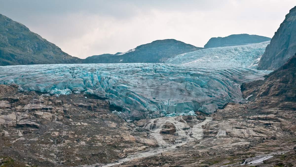 В Индии 7 февраля 2021 сошел ледник, есть жертвы - фото, видео