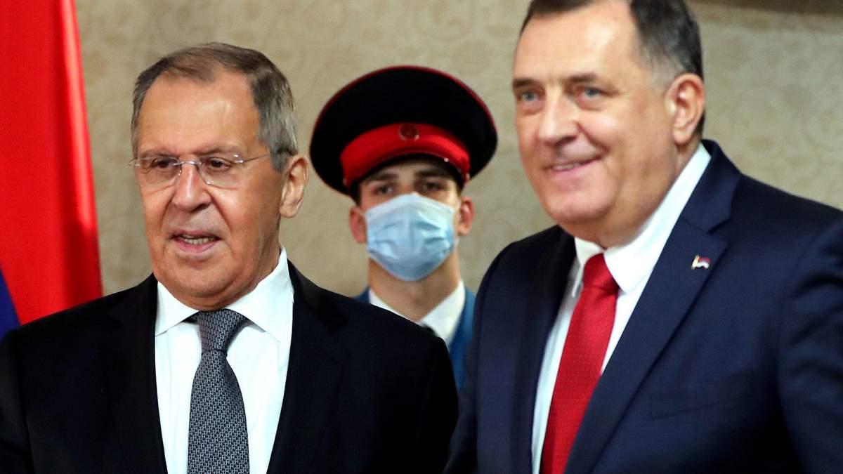 Лаврову подарили икону из оккупированного Луганска: короткий рецепт федерализации по-боснийский