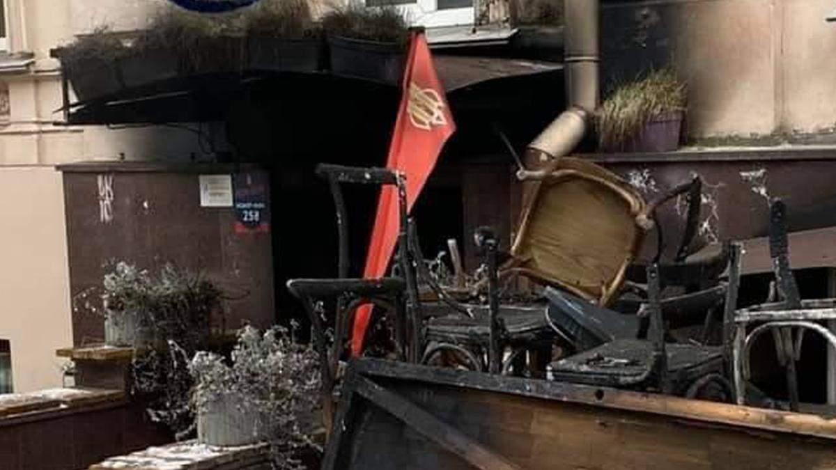 Пожар кафе Bistro Bistro в Киеве: собирают деньги на помощь владельцу
