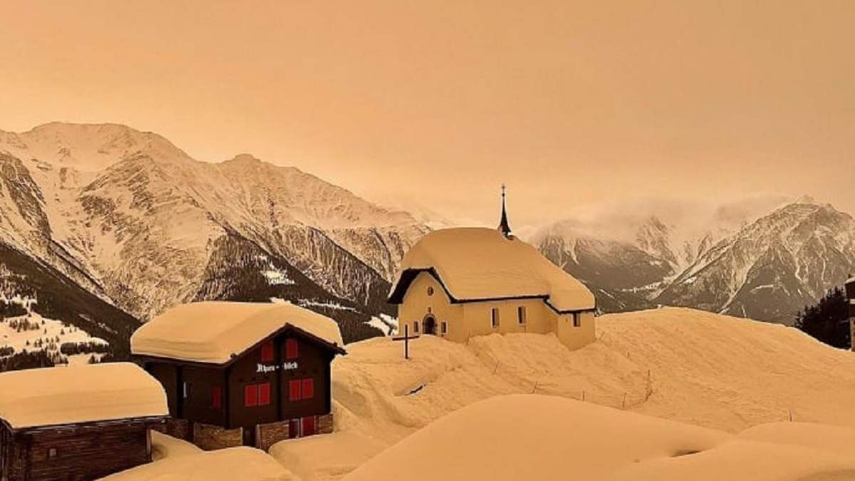 Чехію й Словаччину вкрив кольоровий сніг: яка причина, фото