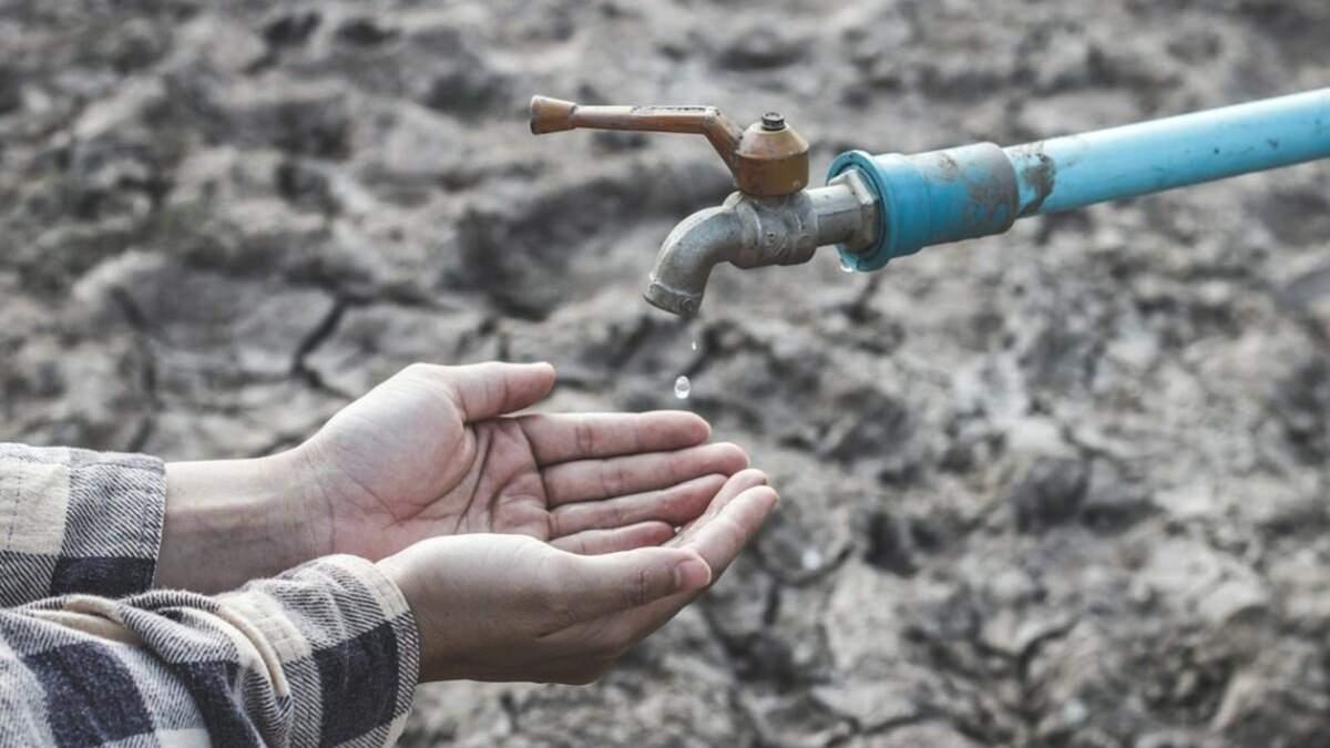 В крымскотатарских районах Симферополя более недели нет воды