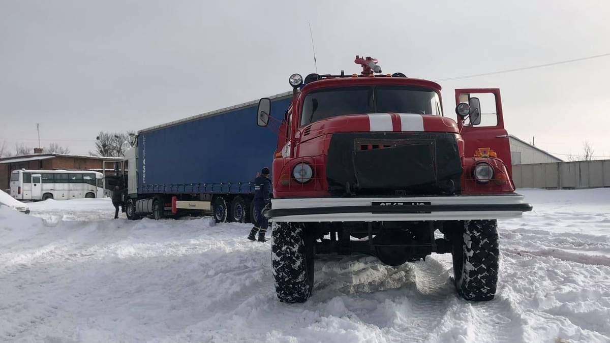 Негода в Україні: яка ситуація в областях 12 лютого 2021 – фото, відео