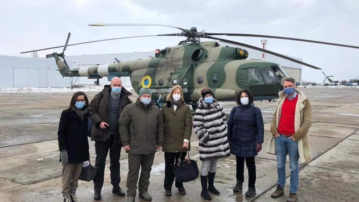 Послы, которые посетили Донбасс с Зеленским, поделились впечатлениями
