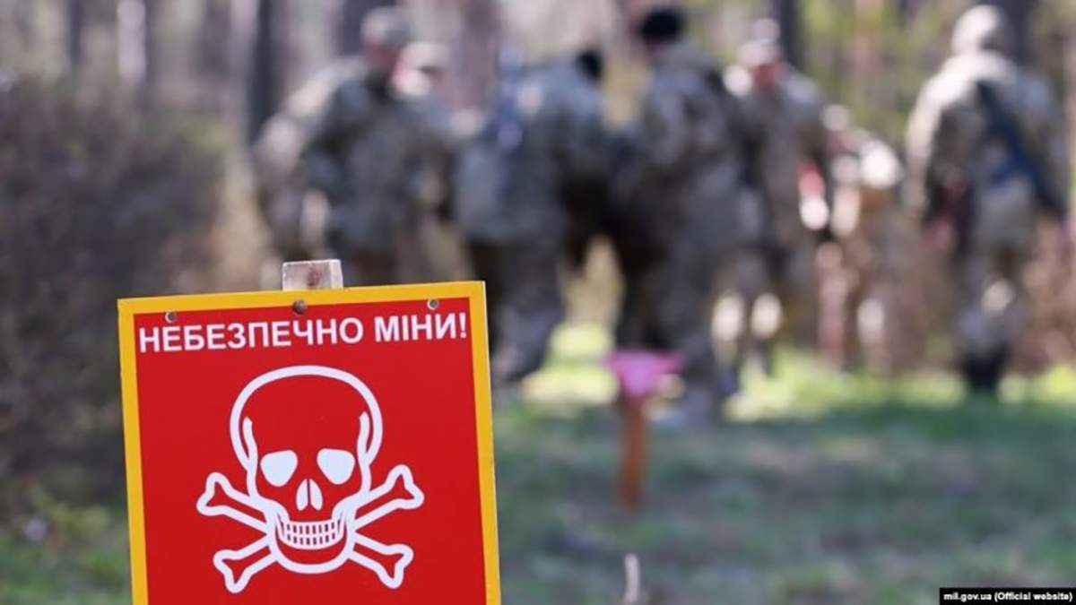 Російські окупанти встановлюють міни вздовж лінії зіткнення – розвідка